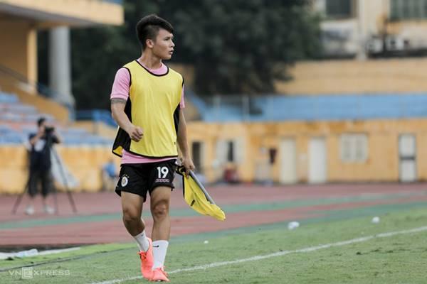 Bóng đá VN 16/3: Hà Nội FC lại nhận tin dữ về Quang Hải