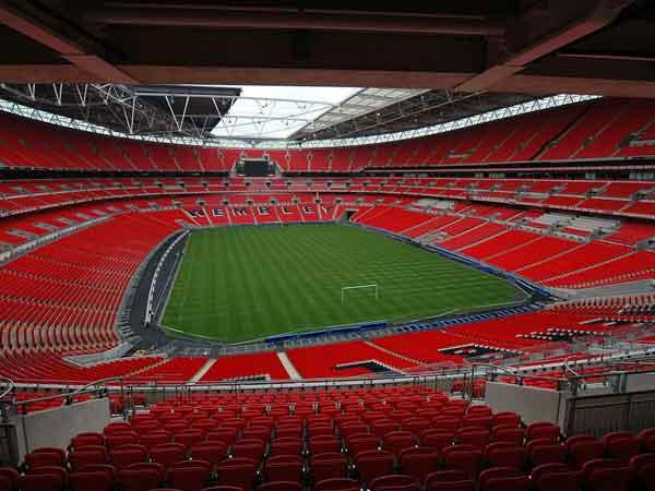 Sân vận độngFNB Stadium được xây dựng ngay trong thành phố Johannesburg