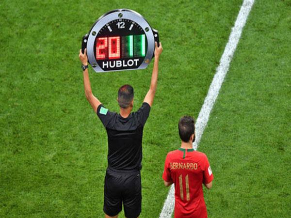 Tìm hiểu về luật thay người trong bóng đá