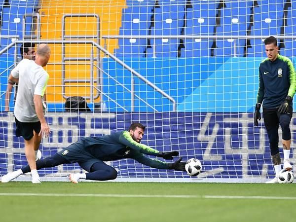 Thủ môn là gì? Vai trò của vị trí thủ môn trong bóng đá
