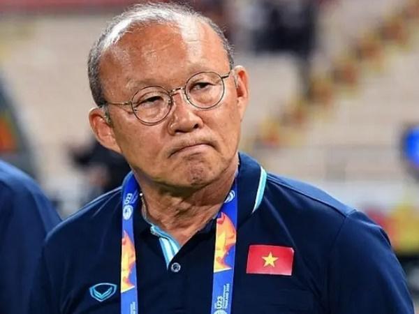 Bóng đá Việt Nam sáng 12/10: HLV Park Hang Seo bảo vệ học trò